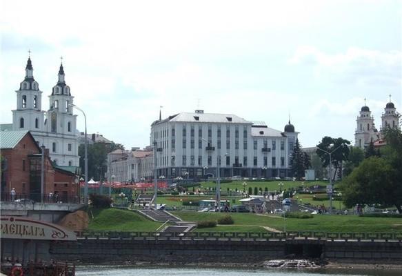 площадь свободы минск фото